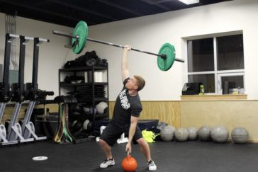 Robby lifting 68 kg (150 lb) in the two hands anyhow during the 0530 CrossFit Missoula group WOD.