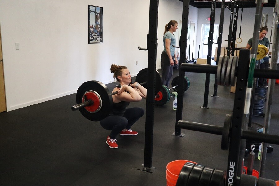 kate front squatting