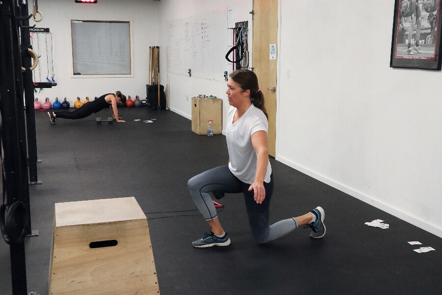Steph lunging during the 0530 hr class